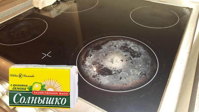 как отмыть индукционную плиту от нагара
