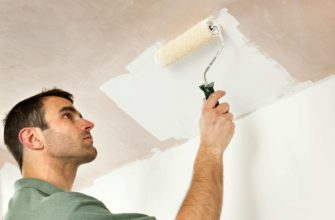 Чем лучше покрасить потолок